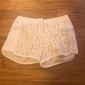 💰MEGA SALE💰 Laundry Blush Pink Lace Shorts